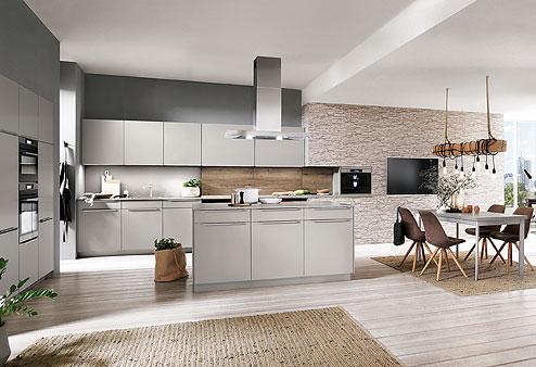 Küche Touch: Strahlend weiße Küche mit großem Wohlfühl-Charakter - Küchenland Auer